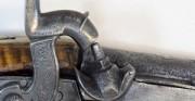 Pistolet perski z zamkiem skałkowym TOFANG - warsztat Hadżi Mustafa, XVIII-XIX w. [od góry: stan przed, w trakcie oraz po konserwacji i restauracji]