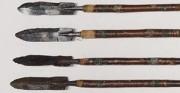 Strzały, 12 sztuk - Persja lub Buchara, XVIII w. [od góry: stan przed oraz po konserwacji i restauracji]