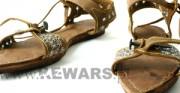 skórzane patynki - XIV wiek; na podstawie Shoes and Pattens: Finds from Medieval Excavations in London; widoczne w trzech ujęciach [kopia użytkowa]