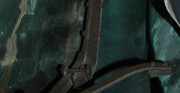 rzeźba Polonia Restituta Franciszka Masiaka - 1937 rok; blacha miedziana, stal; widok wnętrza rzeźby ze stalową konstrukcją [po lewej stan przed konserwacją, po prawej stan po konserwacji]