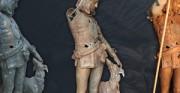 Młodzieniec z chartem - XIX wiek; cynkowa rzeźba ogrodowa [po lewej stan przed konserwacją, po środku stan w trakcie konserwacji, po prawej stan po konserwacji]