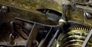 Złocona klatka z zegarem, pozytywka - [od lewej: stan przed konserwacją i po konserwacji i restauracji]